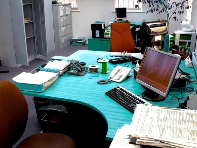 OFFICE LIFE.jpg